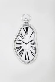 Moderne geschmolzene Uhr